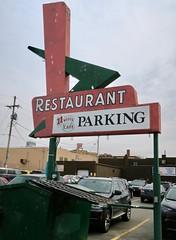 11-Worth Cafe, Omaha, NE (Robby Virus) Tags: omaha nebraska ne chevron restaurant sign signage 11worth cafe food parking