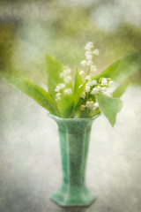 Lily of the Valley in Vase (judy dean) Tags: judydean 2019 garden lensbaby texture ps flowers white lilyofthevalley scented vase 365the2019edition 3652019 day139365 19may19