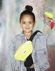 BuBBLe girl (ODISEA VISUALS) Tags: girl kid cute fashion bubbles bubble gun kidfashion
