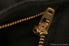 Broken zipper (Hetwie) Tags: koper macrounlimited rits macromaandag zipper macromondays copper macro helmond noordbrabant nederland