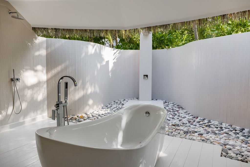 Reserve Beach Villa - Bathroom