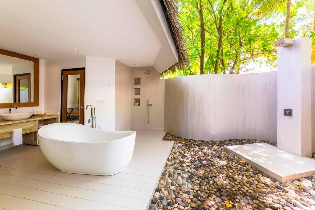 Lagoon Prestige Beach Villa - Bathroom