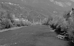 Innsbruck-2019_03+1 (rhomboederrippel) Tags: rhomboederrippel fujifilm xe1 november 2018 europe austria tyrolia innsbruck clearsky bw monochrome bridge alps mountains
