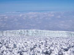 View from Uhuru peak, 5895m, Kilimanjaro NP, Tanzania (Amdelsur) Tags: parcdukilimandjaro continentsetpays tanzanie afrique africa kilimanjaronationalpark tz tza tanzania kilimandjaro