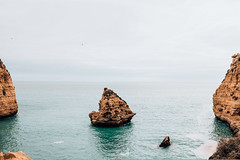 Algarve (FOXTROT ROMEO) Tags: algarve portugal travel ocean atlantic felsen cliff water sky clouds faro
