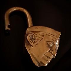 Cadenas....NEHRU..copper 'macro monday ' (Marie-Laure Larère) Tags: nehru cadenas macromonday