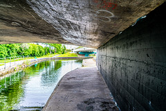 MANY DUBLINERS MAY BE UNAWARE THAT THE GRAND CANAL FORKED HERE [AT SUIR ROAD BRIDGE]-152761 (infomatique) Tags: grandcanal mainline circularline canallocks davittroad suirroad suirroadbridge grandcanalharbour jamessstreet anndevlin annedevlin dolphin'sbarn portobello dublin4 riverliffey luas redline publictransport tramline griffithbridge firstlock 7thlock canals bridges williammurphy infomatique fotonique sony a7riii zeissbatis batis zeiss 25mmlens ireland