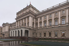 QWZ01529 (qwz) Tags: palace architecture saintpetersburg санктпетербург entrance