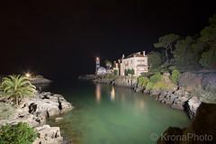 Night in Cascais, Portugal (KronaPhoto) Tags: portugal lighthouse fyr natt night cascais travel dark longexposure motion building water visitportugal seaside seascape reflection