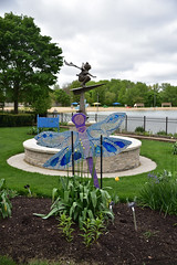 JIM_2627 (James J. Novotny) Tags: dragonflies sculptures sculpture d750 nikon rotarygarden rotarybotanicalgardens gardens garden gardenbotanical unlimitedphotos unlimiedphotos unlimited art artwork
