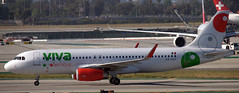 Airbus A-320 XA-VAY (707-348C) Tags: losangeles thehill klax passenger airliner jetliner airbus airbusa320 xavay vivaaerobus viv lax ca california 2019 usa a320 viva aerobus