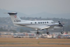 C-GEDV (LAXSPOTTER97) Tags: cgedv beech king air b200 cn bb628 upper valley aviation ltd airport airplane cyxx