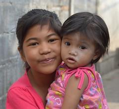 cheek-to-cheek (the foreign photographer - ฝรั่งถ่) Tags: pretty children cheektocheek khlong thanon portraits bangkhen bangkok thailand nikon d3200