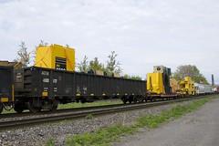 ATW 400517 (Michael Berry Railfan) Tags: cn canadiannational cn401 train freighttrain sthenri montreal montrealsub quebec komatsu qttx130726 krl701212 atw400517