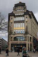 Lilienstraße und Spitalerstraße (Can Pac Swire) Tags: germany hamburg deutschland deutsche german building architecture architektur bau bank banking bankology 2019aimg9014 spitalerstrase 16 lilienstrase lilienstrasse spitalerstrasse