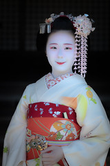 Maiko_20190409_121_1 (Maiko & Geiko) Tags: 20190409 myokenji temple kanohisa kyoto maiko 舞妓 妙顕寺 叶久 京都 叶家 kanoya ksumika