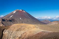 TONGARIRO ALPINE CROSSING (www.PhoTophe.com) Tags: canon christophehervouet discover efs1855mmf3556isii eos1300d explore hike mount mountngauruhoe mountains newzealand northisland photoshopcc tongariroalpinecrossing tongarironationalpark travel trip walk wander