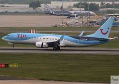 TUI Airways B737-8K5 G-FDZE landing at BHX/EGBB (AviationEagle32) Tags: birminghamairport birminghaminternationalairport birmingham bhx egbb unitedkingdom uk airport aircraft airplanes apron aviation aeroplanes avp aviationphotography avgeek aviationlovers aviationgeek aeroplane airplane airbus planespotting planes plane flying flickraviation flight vehicle tarmac tuiairlines tuigroup tui tuitravel tuiairlinesuk tuiairways boeing boeing737 737 b737 b737ng b737800 b737w b7378k5 b738 b738sw scimitarwinglets gfdze landing