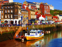 Whitby, North Yorkshire, UK (photphobia) Tags: whitby town coast yorkshire england uk europe oldtown oldwivestale outside outdoor buildings street streetphotos river riveresk water boats reflection