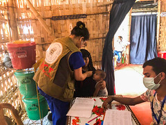 BCF Delivering Humanitarian Aids to The Rohingya Refugees in Kutupalog camp, in Cox's Bazar, Bangladesh (11)