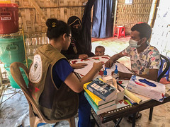 BCF Delivering Humanitarian Aids to The Rohingya Refugees in Kutupalog camp, in Cox's Bazar, Bangladesh (4)