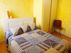 Habitación Matrimonio (brujulea) Tags: brujulea casas alquiler tubilla del lago burgos apartamentos ribera duero crianza habitacion matrimonio