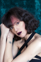 Justine #1 (point.of.viou) Tags: shooting woman light beauty look portrait canon model color colors 80d 50mm