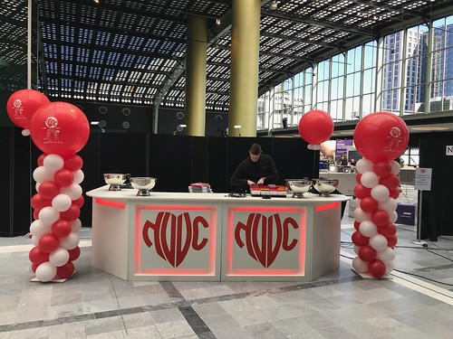 Ballonpilaar Breed Rond Bedrukt Postillion Convention Centre WTC Rotterdam