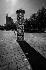 Berlin (Hendrik Lohmann) Tags: streetphotography street strase blackandwhite bnw bw urban urbanart urbanlife urbanphotography berlin nikon nikonphotographer noir noire noireshot menschen monochrome