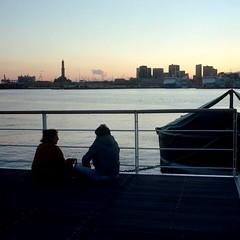 Porto Antico (IG: Ceche_Analogico) Tags: sun filmisnotdead 120 genova italy boat sea seaside sunset portra400 kodak color streetphotography street analogphotography mediumformat film120 film tlr yashicamat124g