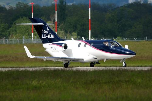 LX-WJA(cn 42000018) Honda HA-420 HondaJet Flying Group Nl