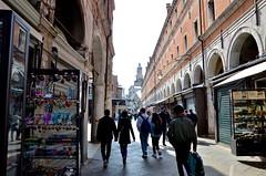 Ruga dei Oresi (Joe Shlabotnik) Tags: 2019 italia venezia april2019 italy venice afsdxvrzoomnikkor18105mmf3556ged