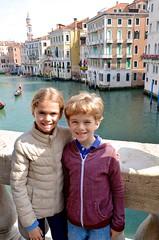 The Kids On The Rialto Bridge (Joe Shlabotnik) Tags: violet everett italia april2019 2019 venezia rialto venice canal italy grandcanal afsdxvrzoomnikkor18105mmf3556ged