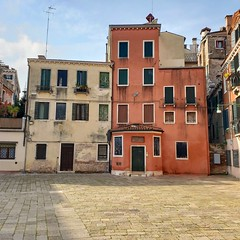 Campo San Stin (Joe Shlabotnik) Tags: italia april2019 cameraphone venezia 2019 venice italy galaxys9