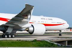 Boeing 777-300ER Japan Air Force 80-1112 (Clément W.) Tags: boeing 777300er japan air force 801111 lfpo ory