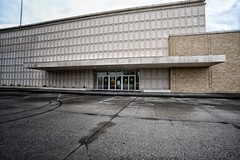 (Curtis Cronn) Tags: sears abandoned store shoreline closed empty