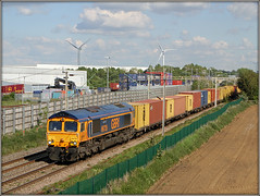 Wash your mouth with soap........... (Jason 87030) Tags: 4m46 hamshall wcml barbynortoft scum posh tossers footballteam peterboroughunited filth shed gbrf containers cargo lineside color colours scene gm loco engine train diesel 66735 nameer soccer sport