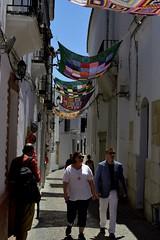 CROCHET BAJO EL SOL (Pepe Rodríguez Cádiz) Tags: calles pueblos blancos