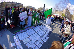 549 Paris en Mars 2019 - les Algériens manifestent Place de la République (paspog) Tags: paeis france placedelarépublique mars march märz 2019