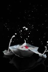 What a Mess... (Christoph Wenzel) Tags: thüringen deutschland manuell neuhaus studio sonyalpha7riii milch schwarz rot frühling pancolar1850 carlzeissjena m42 glas neuhausamrennweg