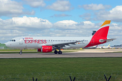 EC-LLE 2 Airbus A320-214 Iberia Express MAN 21MAY19 (Ken Fielding) Tags: eclle airbus a320214 iberiaexpress aircraft airplane airliner jet jetliner