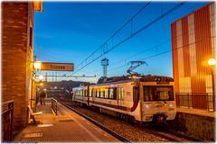 Viajeros en Tresona (440_502) Tags: 3532 35 3500 feve viajeros cercanías pravia trasona tresona gijón sanz crespo carreño burdeos
