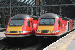 43 274 & 43 313 - Kings cross 15/05/2019 (danielhodgson48) Tags: railways train kingscross virgin class43
