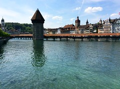 Kapellbrücke / Капелбрюке (mitko_denev) Tags: швейцария switzerland schweiz svizzera svizra luzern люцерн езеро see lake vierwaldstättersee lakeluzern water wasser вода кула воднакула мост покритмост bridge coveredbridge tower watertower gedecktebrücke brücke wasserturm turm
