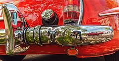 ..ogott, dass ging wieder in den Rücken (ulrichcziollek) Tags: auto mercedes reflektion chrom rot