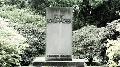 Kurt Schumacher - ein Gründervater (1elf12) Tags: cemetary friedhof ricklingen hannover germany deutschland kurtschumacher politiker politician