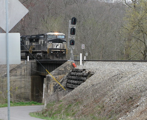 Norfolk Southern Bluestone River and Rt. 717