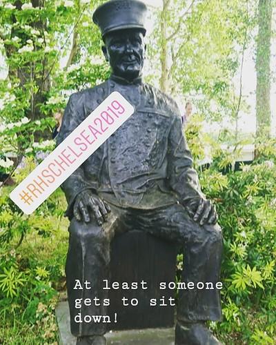 Statue of Chelsea pensioner in Ranelegh Gardens #rhschelsea2019