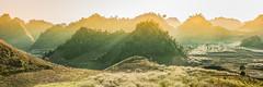 _J5K5237-39.0212.Mộc Châu.Sơn La (hoanglongphoto) Tags: asia asian vietnam northvietnam northwestvietnam northernvietnam landscape scenery vietnamlandscape vietnamscenery mocchaulandscape panorama sunlight sunny afternoonsunshine hill plumblossom canon canoneos1dsmarkiii canonef70200mmf28lisiiusm tâybắc sơnla mộcchâu phongcảnh phongcảnhmộcchâu buổichiều nắng nắngchiều dãyđồi hoamận hoamậnmộcchâu thehills hillside sườnđồi
