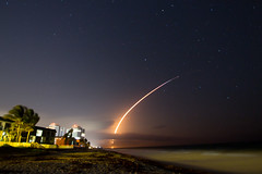 On the move (Glotzsee) Tags: florida indianrivercounty verobeach spacex spacelaunch space launch rocket rocketlaunch beach outdoors outside glotzsee glotzseefloridaimages